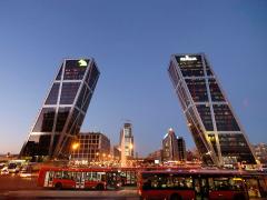 Plaza de Castilla - Lucia Uccellatore pod CC